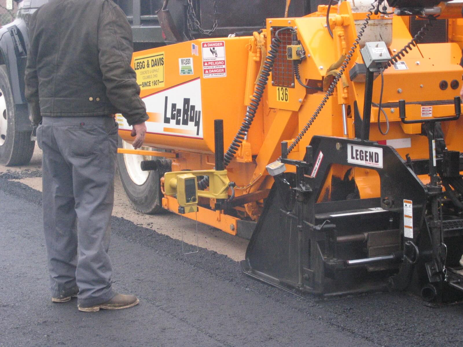 Legg And Davis Construction Leeboy 8515 Paver The